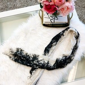 Accessories - Black & White Lightweight Scarf